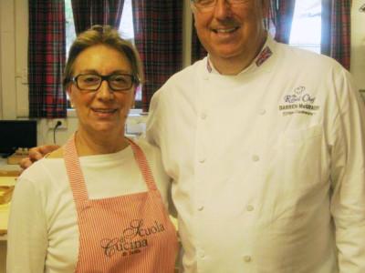 Lella e Chef Mc Darren, lo Chef della Principessa Diana d'Inghilterra, alla Scuola di Cucina di Lella